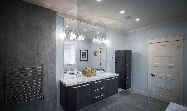chadsharpe.com.Spaces.NL.Blue.Gray.Bathroom.11